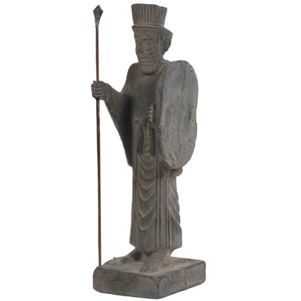 مجسمه تندیس و پیکره شهریار مدل سرباز نیزه دار مادی کد MO2240 سایز کوچک
