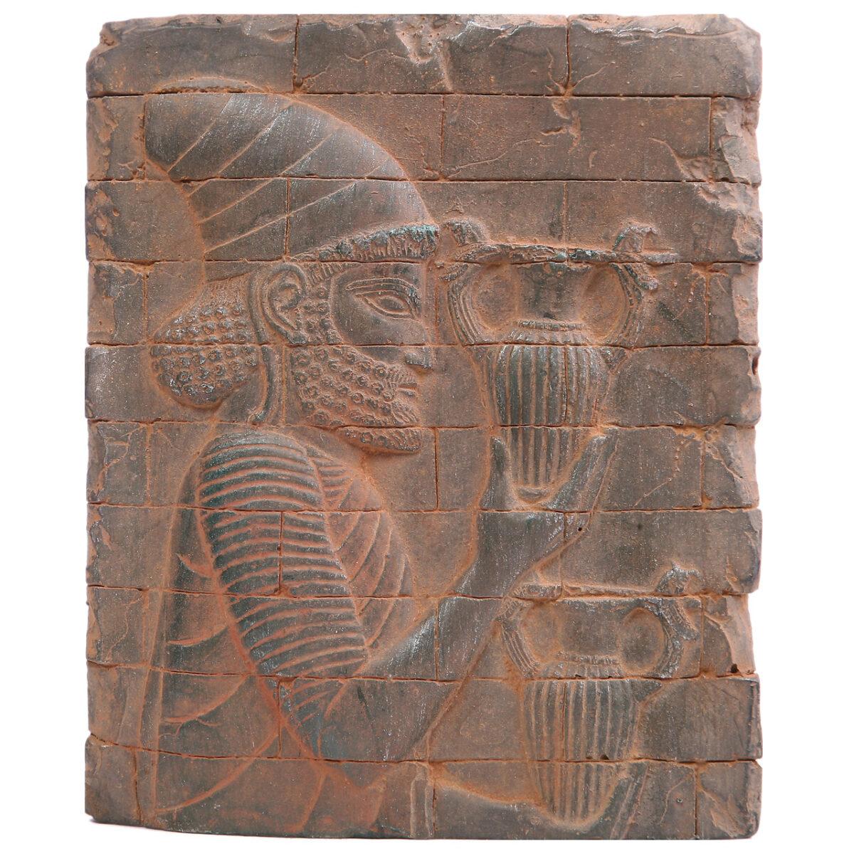 مجسمه تندیس و پیکره شهریار طرح کتیبه هدیه آور آویزدار کد MO2900