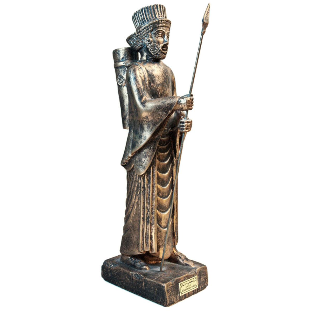 مجسمه تندیس و پیکره شهریار مدل سرباز نیزه دار هخامنشی کد MO1530 سایز بزرگ