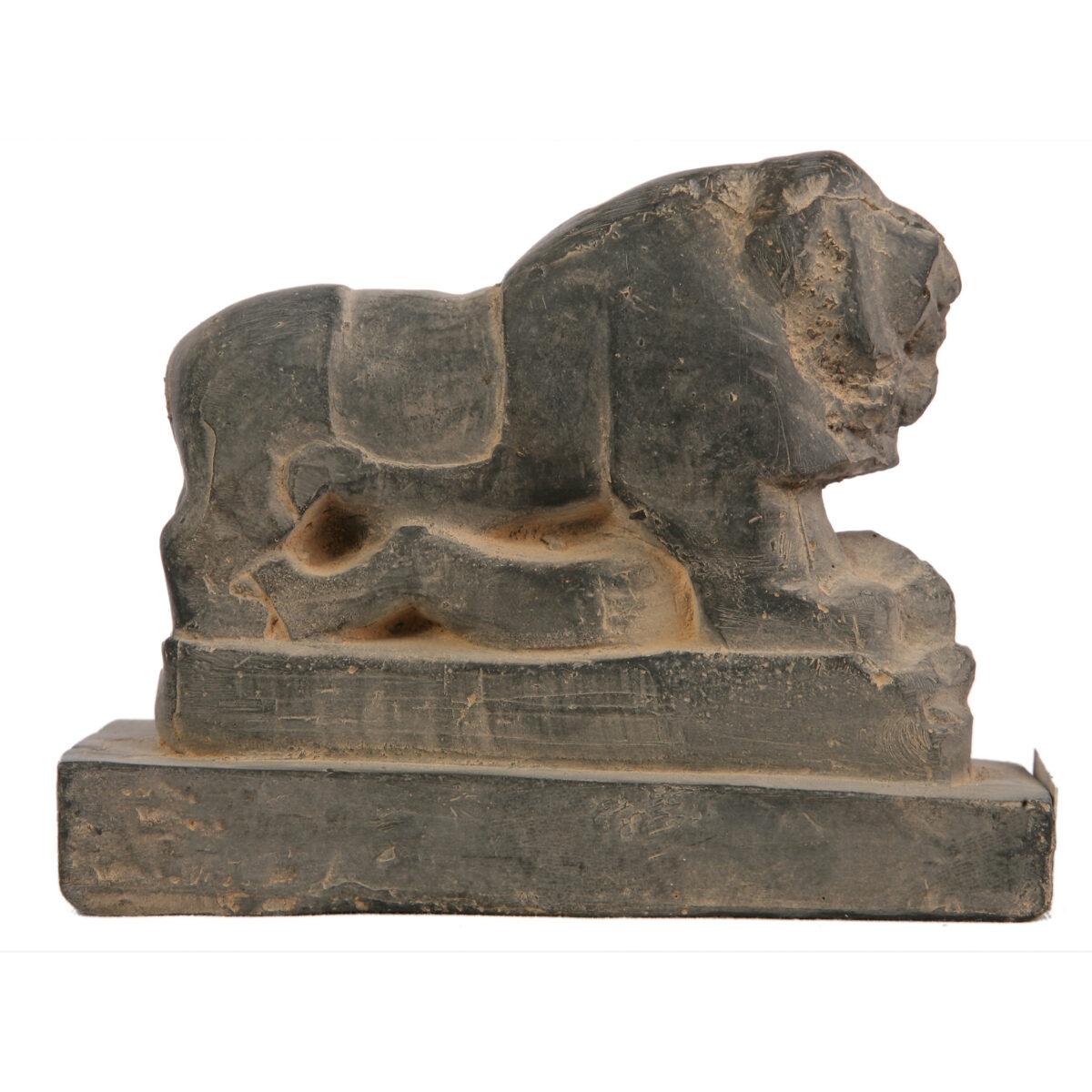 مجسمه تندیس و پیکره شهریار مدل شیر بابل کد MO3230